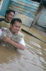 Terjun Langsung ke Lokasi Banjir