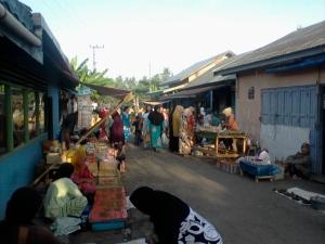 Pasar Banyubarau, di Parincahan, Kandangan Buka setiap hari
