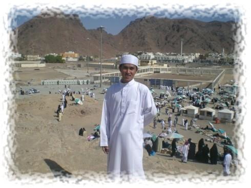 Di Puncak Bukit Uhud