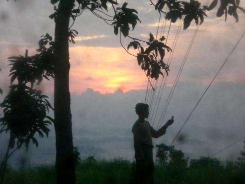 Matahari Terbit di Puncak Bukit Pamaton