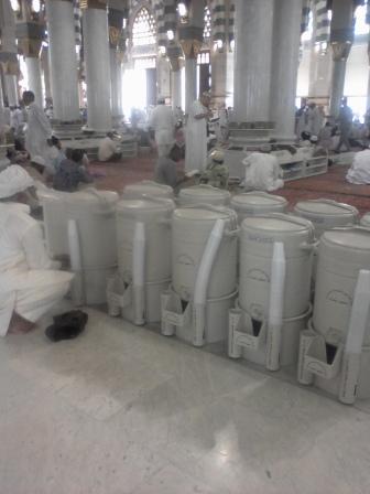 Air Zam-Zam dii Masjid Nabawi, Madinah